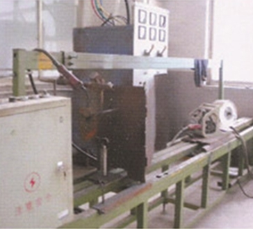 横向自动焊接设备